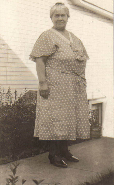 1936 Sophie Lumens