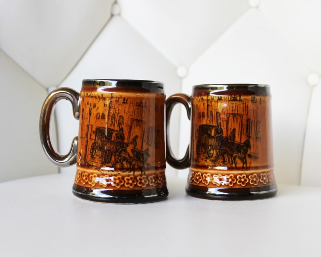 Horse and Buggy Mug Set 1