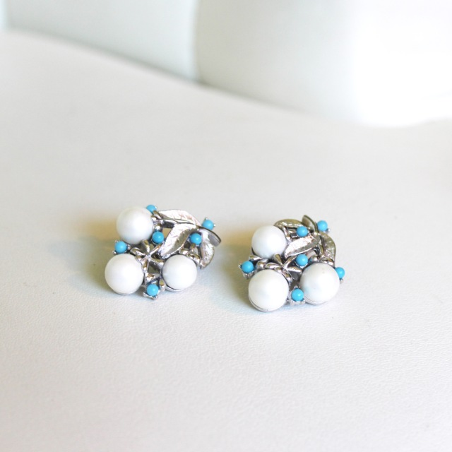 Turquoise and Pearl Clusters 1